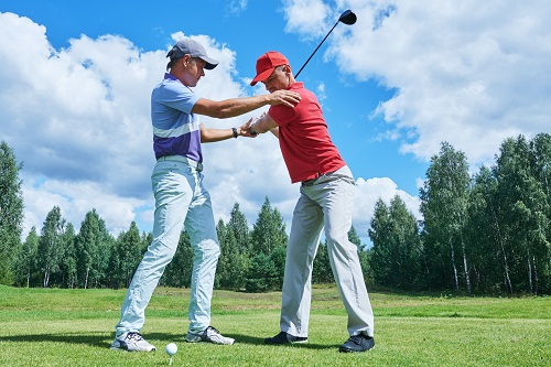 Peconic_Bay_Medical_Center_5_Ways_to_Avoid_Golf_Injuries_IMAGE1.jpeg